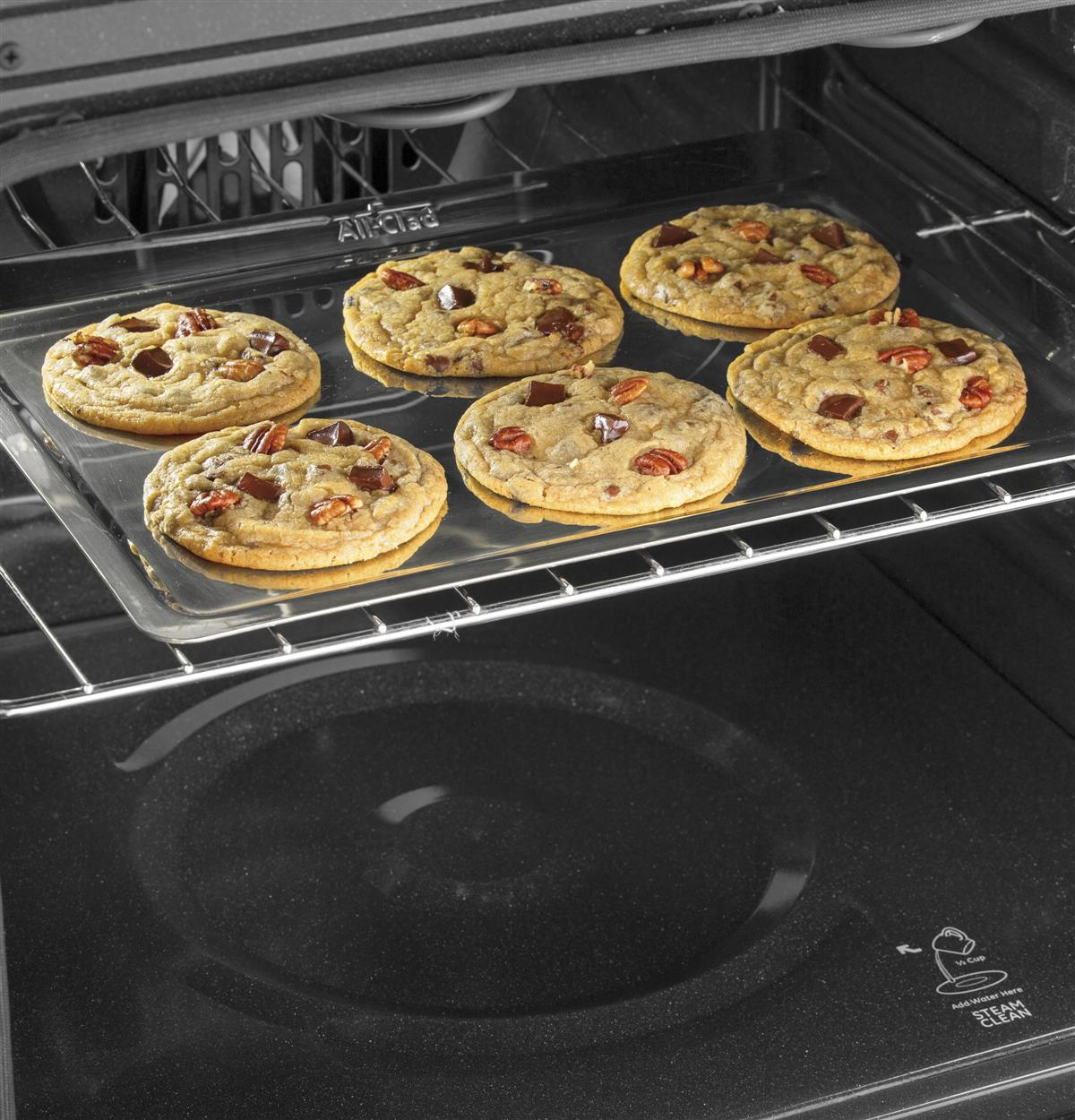 Busy lifestyles don't stop for cooking spills. Hidden bake element sits beneath a smooth surface, making cleaning fast and easy.